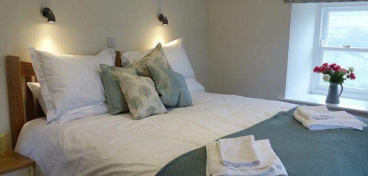 nell-tom-bedroom2