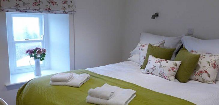 nell-tom-bedroom3